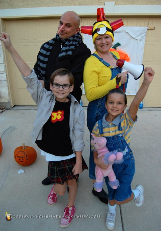 Adorable Despicable Me Family Costume