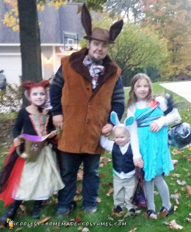 family alice in wonderland costumes