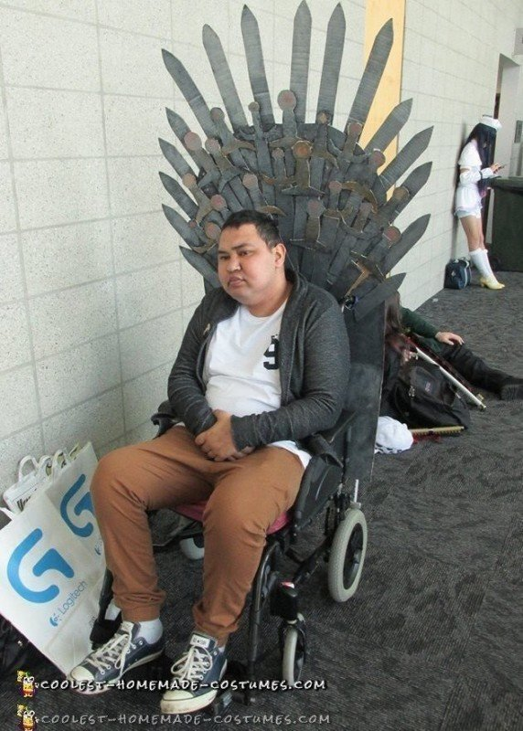 Cool DIY Wheelchair Costume – Iron Throne from Game of Thrones