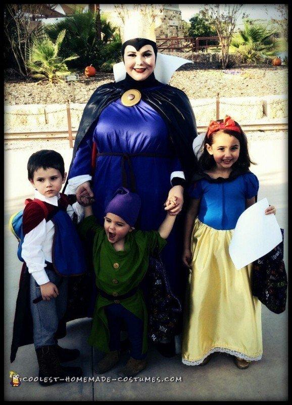 Disney's Snow White Family Halloween Costume