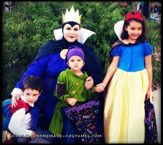Disney's Snow White Family Halloween Costume