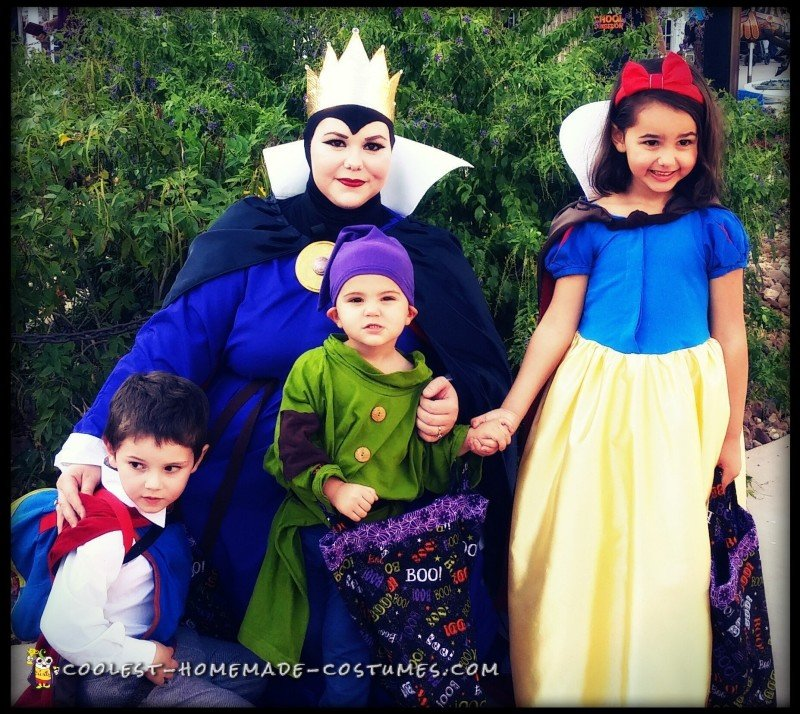 disneys snow white family halloween costume