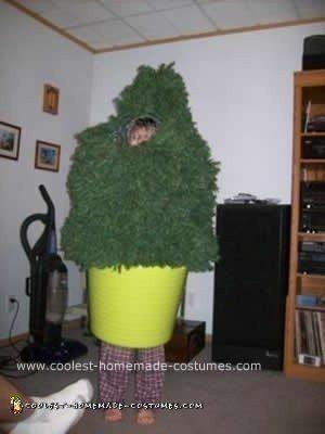 A Shrub...The Best Spy Costume Ever