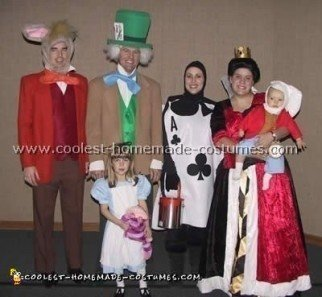 Coolest Homemade Alice in Wonderland Group Costume Ideas