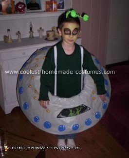 Alien with Flying Saucer Costume