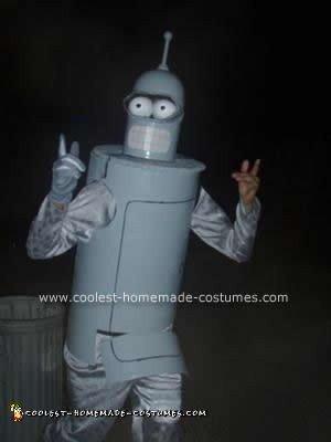 coolest-binder-costume-10-21586284.jpg
