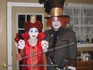 DIY Alice in Wonderland Couple Halloween Costume