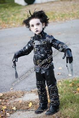 coolest-diy-edward-scissorhands-halloween-costume-11-21419427.jpg
