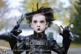 coolest-diy-edward-scissorhands-halloween-costume-11-21419428.jpg