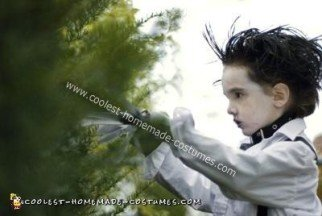 coolest-diy-edward-scissorhands-halloween-costume-11-21419429.jpg