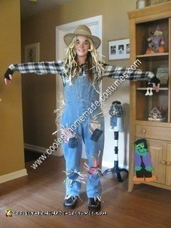 DIY Scarecrow Halloween Costume Idea
