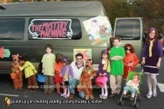 Homemade DIY Scooby Doo Group Halloween Costumes
