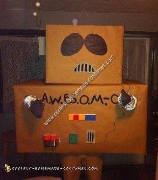 Homemade A.W.E.S.O.M.-O Robot from South Park Last Minute Costume