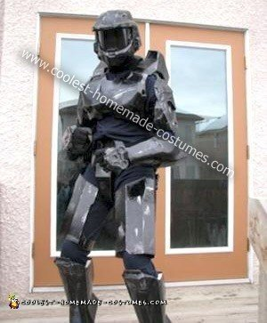 Homemade Black Spartan from Halo 3 Costume