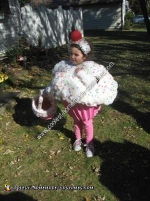 Homemade Cupcake Child Halloween Costume