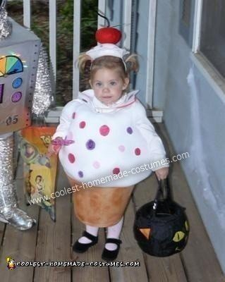 Homemade Cupcake Toddler Costume Idea