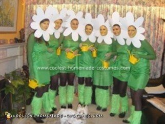 Homemade Daisy Chain Group Halloween Costume