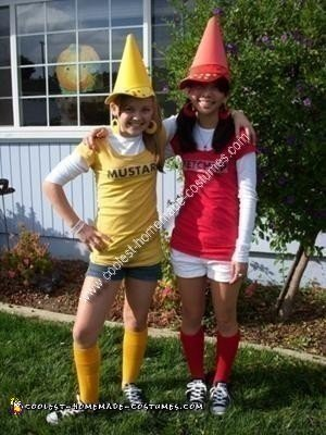 ce77047b2c8 coolest-homemade-ketchup-and-mustard-couple-costume-3-21412336.jpg ...
