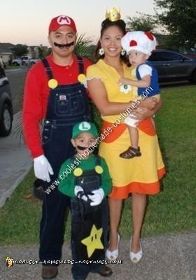 Coolest Homemade Mario Luigi Toad And Princess Daisy Group Costume