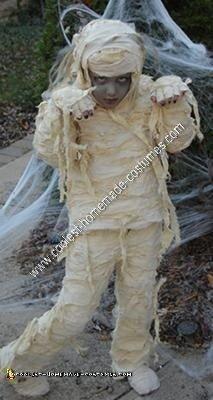 Homemade Mummy Girl Unique Halloween Costume Idea