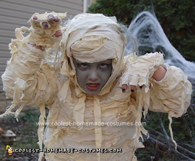 Homemade Mummy Girl Unique Halloween Costume Idea