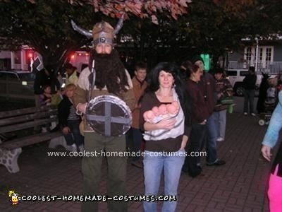 Homemade Octomom and Sperm Donor Couple Costume
