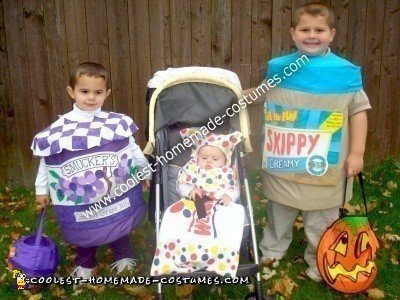 Homemade Peanut Butter and Jelly Family Costume