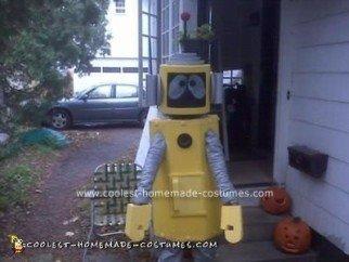 coolest-homemade-plex-the-robot-halloween-costume-7-21452421.jpg