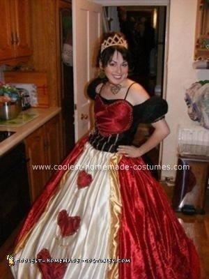 Homemade Queen of Hearts Halloween Costume