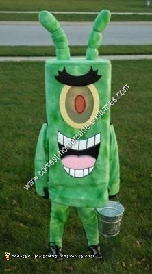 Homemade SpongeBob and Plankton Couple Costume