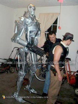 coolest-homemade-terminator-t650-costume-2-21300519.jpg
