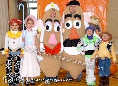 story family halloween costume we found sewing patterns for buzz lightyear woody and jessie we had to order woody and jessies hats from a costume