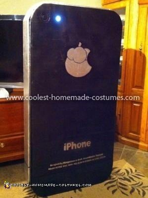 Homemade iPhone 4 Facetime Costume