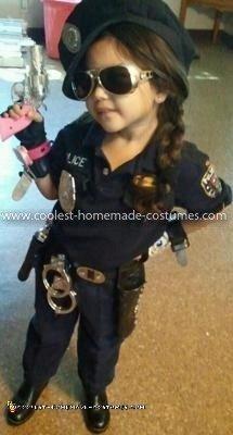coolest-little-police-officer-costume-4-21591490.jpg