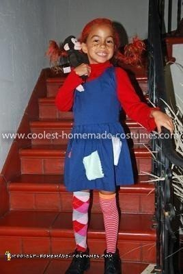 Checking Out Pippi Longstocking From >> Awesome Homemade Pippi Longstockings Halloween Costume