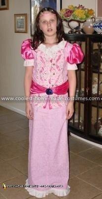Coolest Princess Peach Costume - Frontside