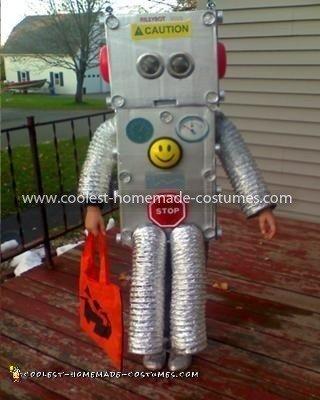 Homemade Riley Robot 9000 Costume