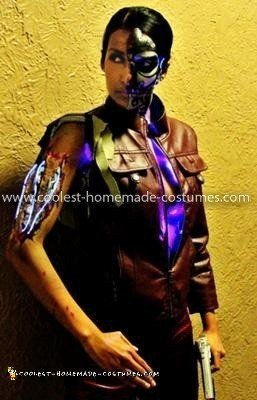 Coolest T-X Terminator Costume - testing arm lights