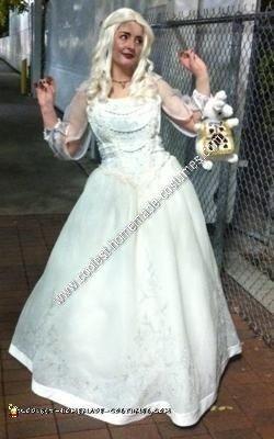 Homemade White Queen Costume from Tim Burton's Alice in Wonderland