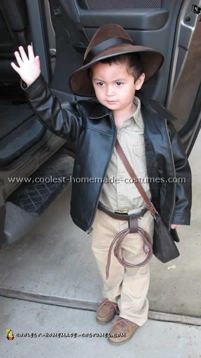 indiana-jones-costume-01.jpg