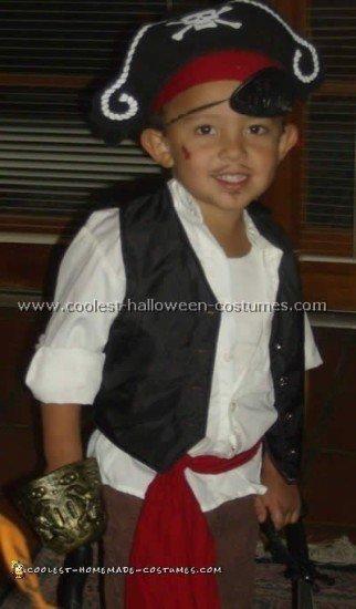 pirate-costume-10.jpg