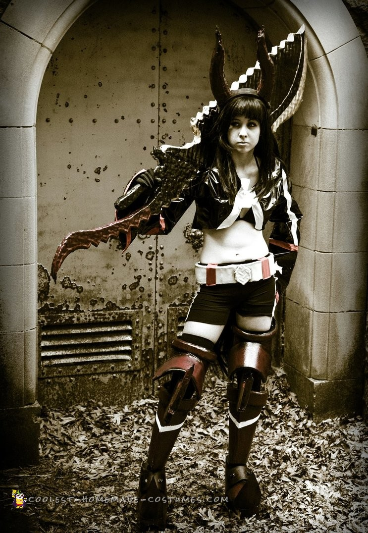 Mysterious DIY Black Gold Saw Anime Costume for Halloween