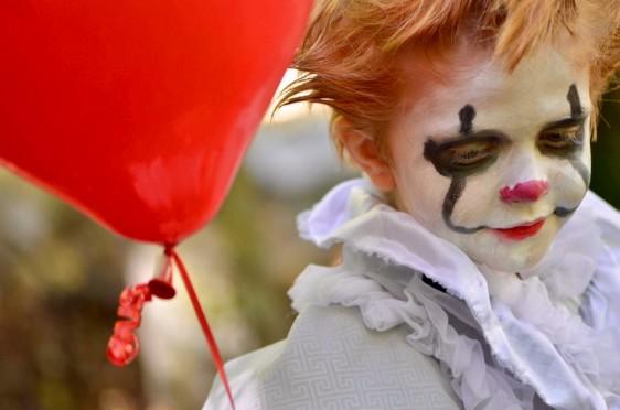 """It"" toddler costume"