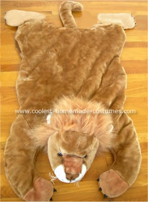 Lion Hunter Costume